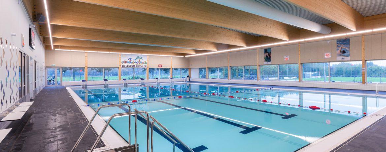 zwembad van Sportcomplex Den Donk